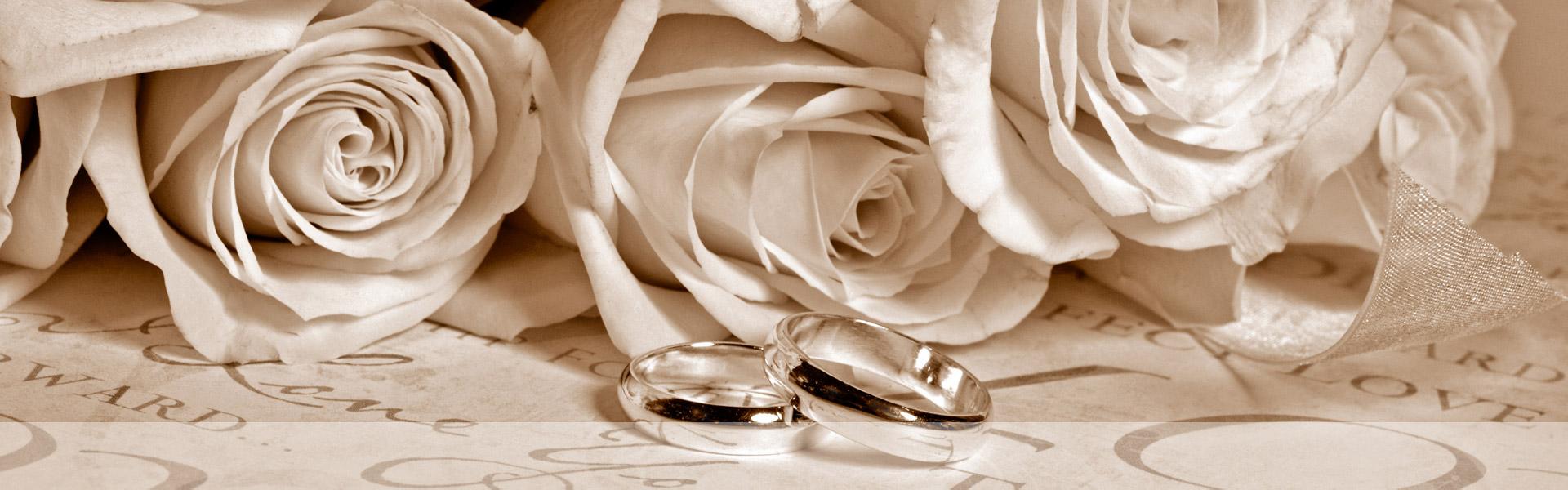 Cuscini per fedi nuziali con fiori : Fedi nuziali personalizzate gioielleria fanton gioielli